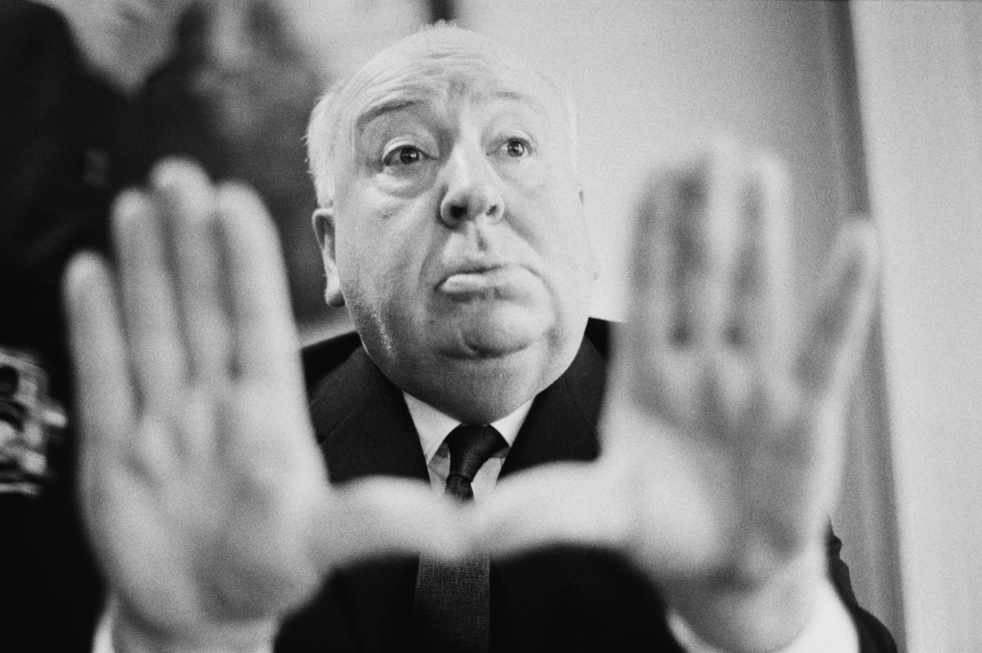 Huyền thoại Alfred Hitchcock bị tố cáo xâm hại tình dục