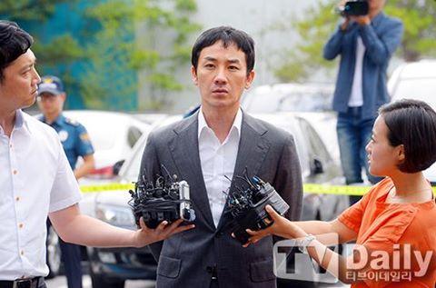 Tài tử gia thế Hàn Quốc lĩnh án vì gạ gẫm mại dâm
