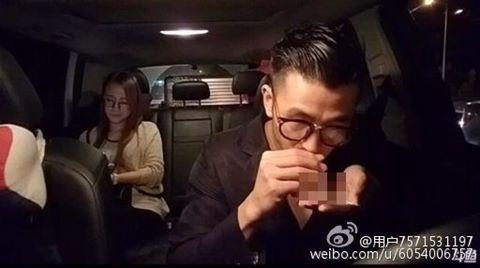 Bắt giữ MC Trung Quốc quay trực tiếp hành động dùng ma túy
