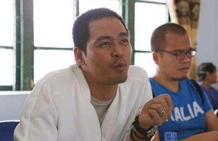 MC Phan Anh trở lại vùng lũ, dự kiến xây bể bơi cho học sinh