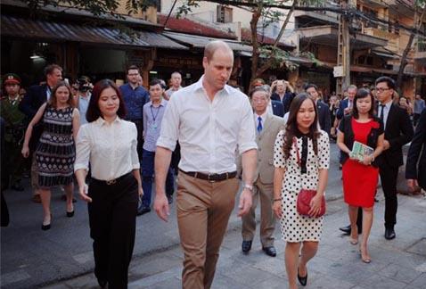 Hoàng tử Anh - William đã xuất hiện tại phố cổ Hà Nội