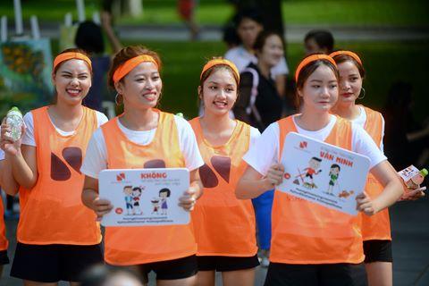 Giới trẻ nhảy flashmob truyền thông điệp sống khoẻ, sống văn minh
