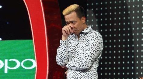 Trấn Thành lại bật khóc trước chàng trai hát giống Khánh Ly