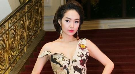 Minh Hằng tố nhà sản xuất phim 1.100 tập lợi dụng tên tuổi