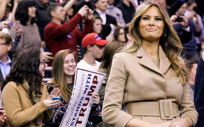Giới thời trang Mỹ chia rẽ vì vợ Donald Trump