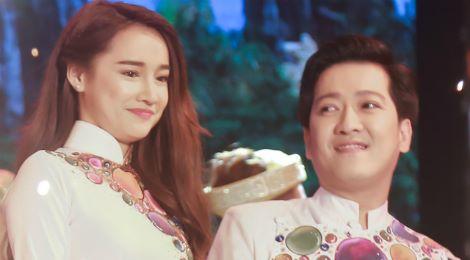 Nhã Phương xuất hiện mờ nhạt trong live show Trường Giang