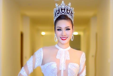 HH Quý bà châu Á Kim Nguyễn lộng lẫy khi làm giám khảo