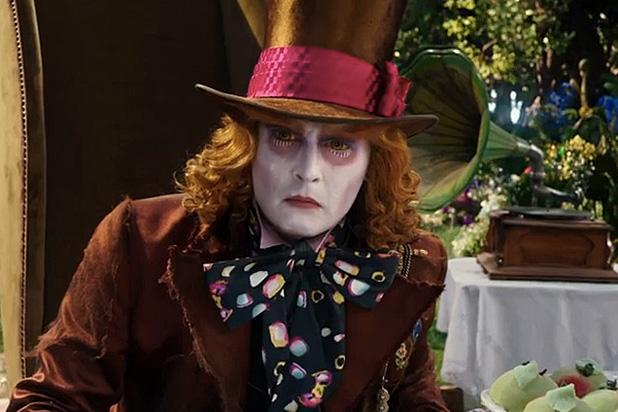 Johnny Depp tiếp tục là diễn viên kém sinh lời nhất năm