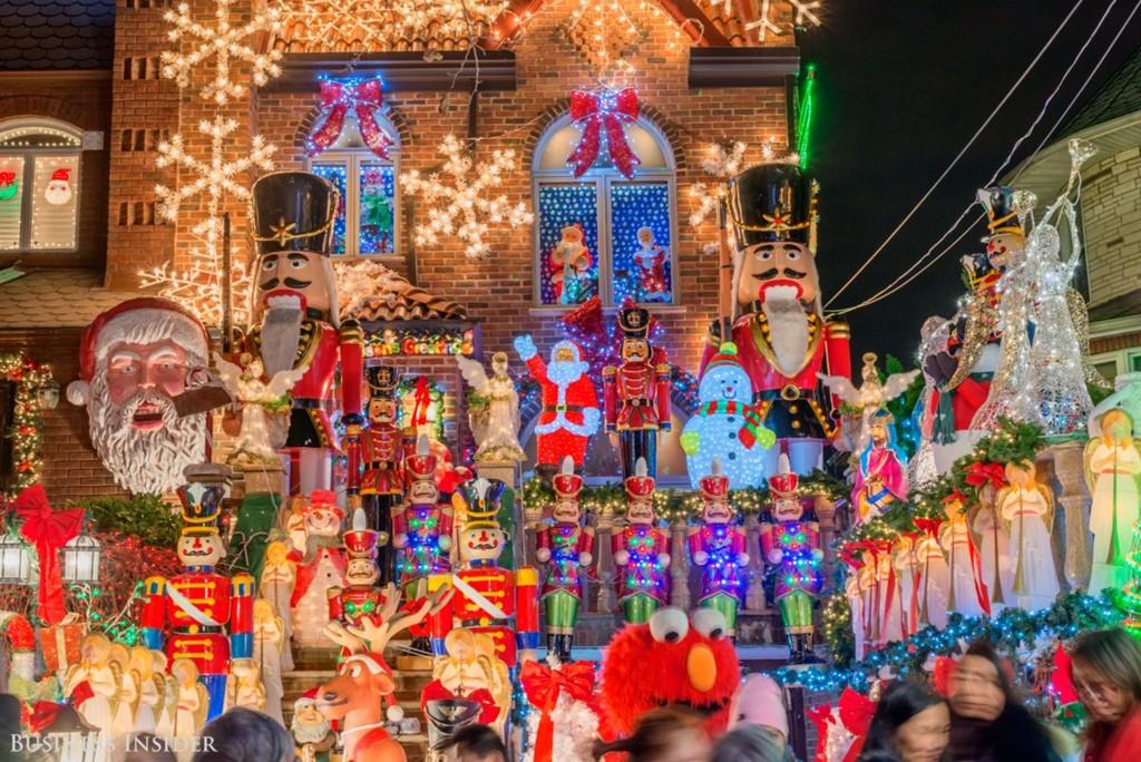 Không khí Giáng sinh ngập tràn con phố New York