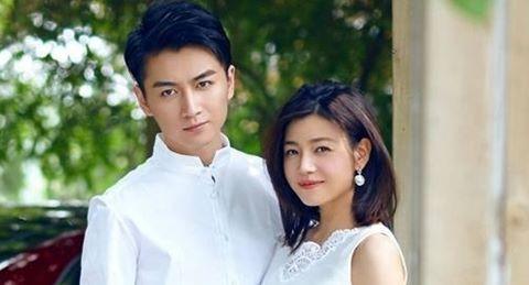 """""""Dương Quá, Tiểu Long Nữ"""" đón con đầu lòng sau 5 tháng cưới"""