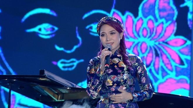 Mỹ Tâm, Hà Hồ hội ngộ trên sân khấu Chào 2017