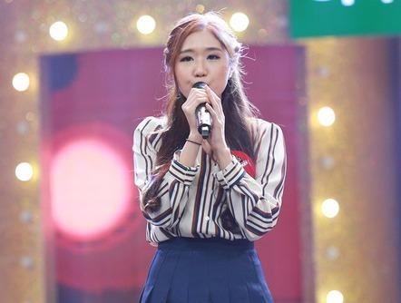 """Dân mạng tìm kiếm thiếu nữ Hàn hát """"Phía sau một cô gái"""""""