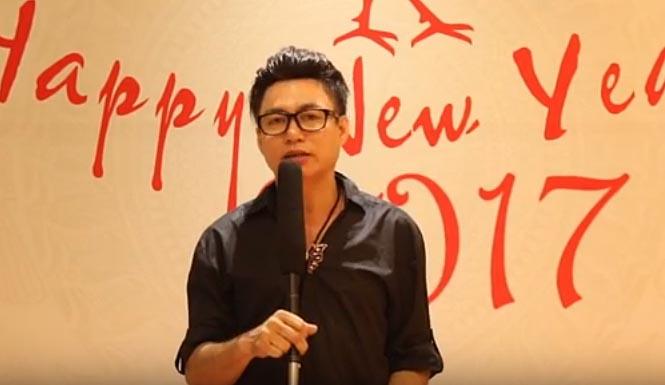 NTK Tommy Nguyễn gửi lời chúc năm mới 2017 tới độc giả khi tham gia sự kiện