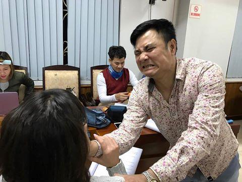"""Tự Long trêu đùa Vân Dung trong buổi tập """"Táo quân"""" đầu tiên"""