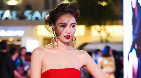 """Mỹ nhân Việt và sao """"Cô dâu 8 tuổi"""" khoe sắc trên thảm đỏ"""