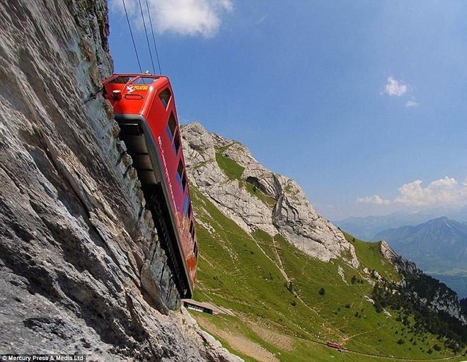 Pilatus - tuyến đường sắt dốc nhất thế giới