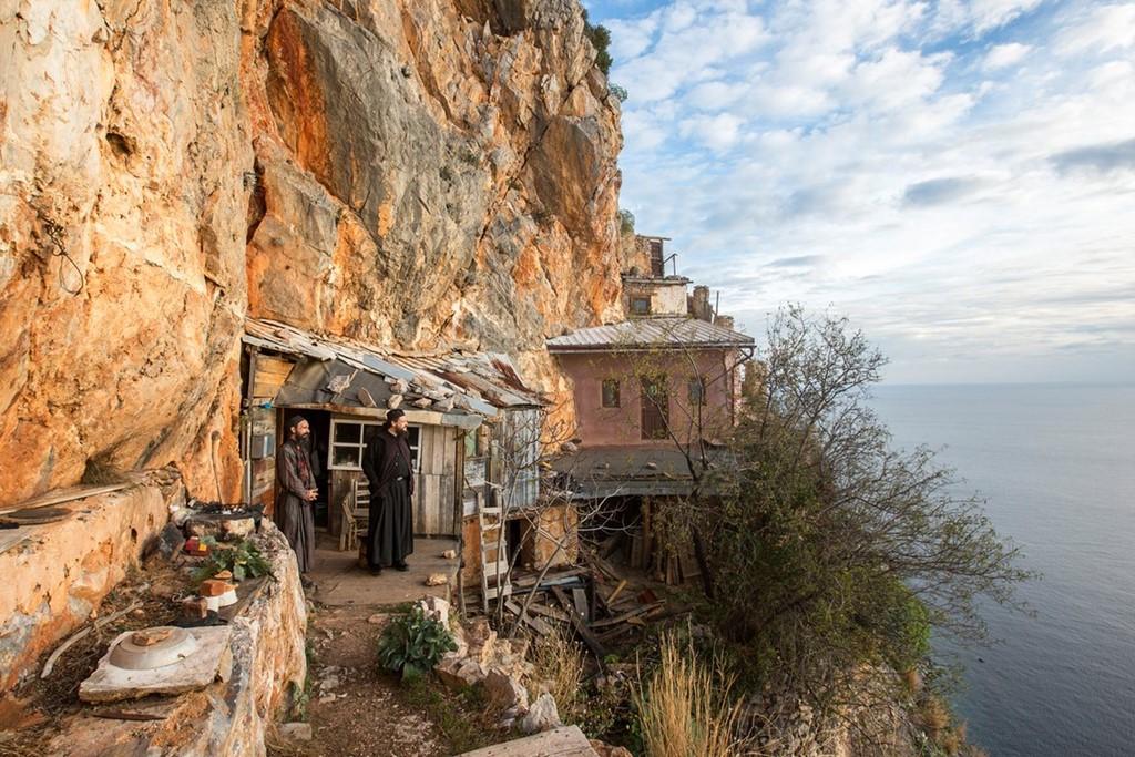 Cuộc sống ở ngọn núi thiêng của Chính thống giáo phương Đông
