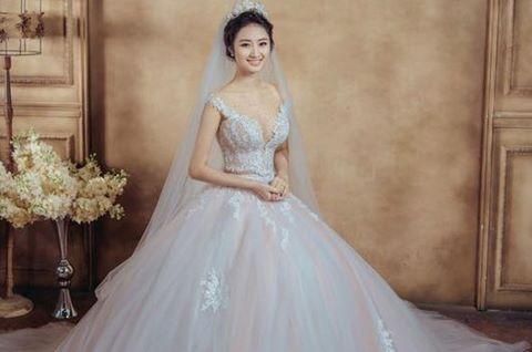Váy cưới hơn nửa tỷ đồng của hoa hậu Thu Ngân