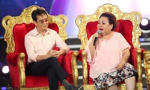 Nghệ sĩ Việt phản đối gộp Tết Nguyên đán vào Tết Dương lịch