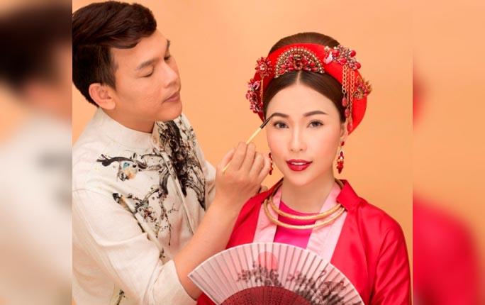 Hồ Khanh trang điểm cho Quỳnh Thư đẹp như Hoàng hậu