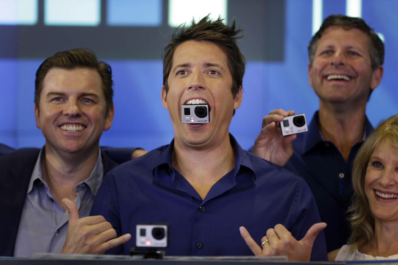 Nhà sáng lập GoPro tặng bạn cùng phòng 229 triệu USD