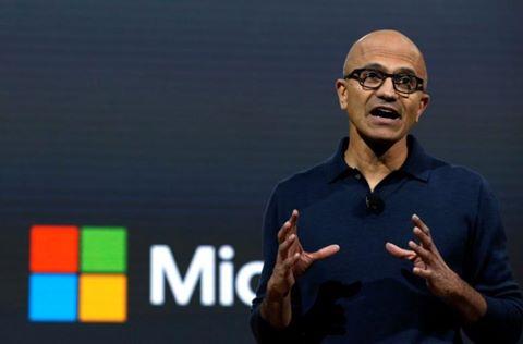 Microsoft đạt giá trị 500 tỷ USD lần đầu tiên sau 17 năm