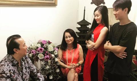 Hoài Lâm sang nhà bạn gái chúc Tết, nghi vấn sắp kết hôn