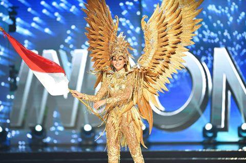 Những trang phục truyền thống ấn tượng nhất ở Hoa hậu Hoàn vũ