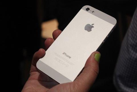 Lý do iPhone thế hệ cũ hay sập nguồn đột ngột