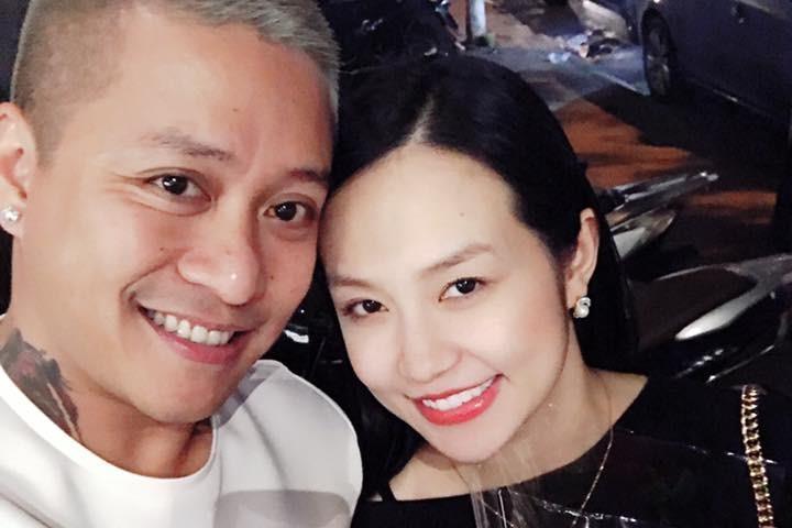 Sao Việt khoe quà, viết lời ngôn tình cho nhau đêm Valentine