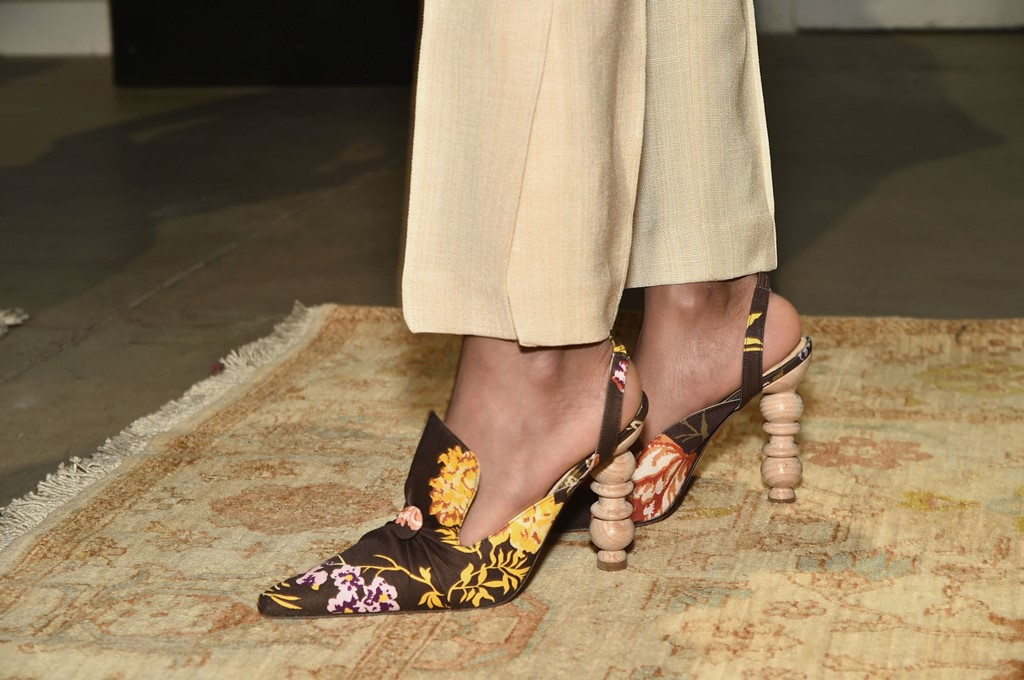 Tuần lễ thời trang 2017: Giày dép còn đáng ngắm hơn quần áo