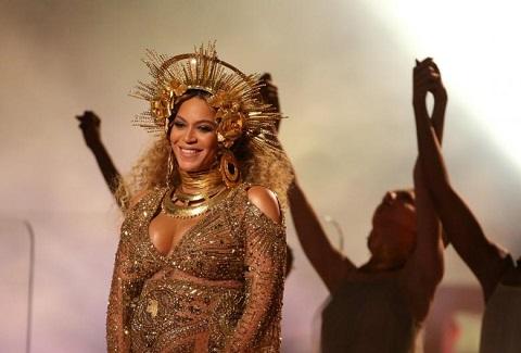 Beyoncé hủy diễn khiến fan thi nhau đòi trả lại tiền