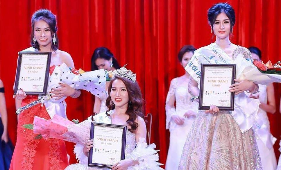 Phạm Thị Thanh Hiền đoạt vương miện Hoa khôi thời trang Việt Nam 2017