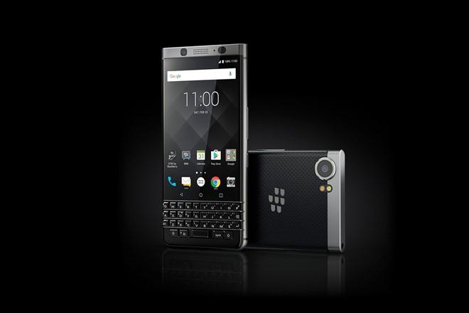 BlackBerry KeyOne ra mắt: Phím QWERTY cảm ứng, giá 549 USD