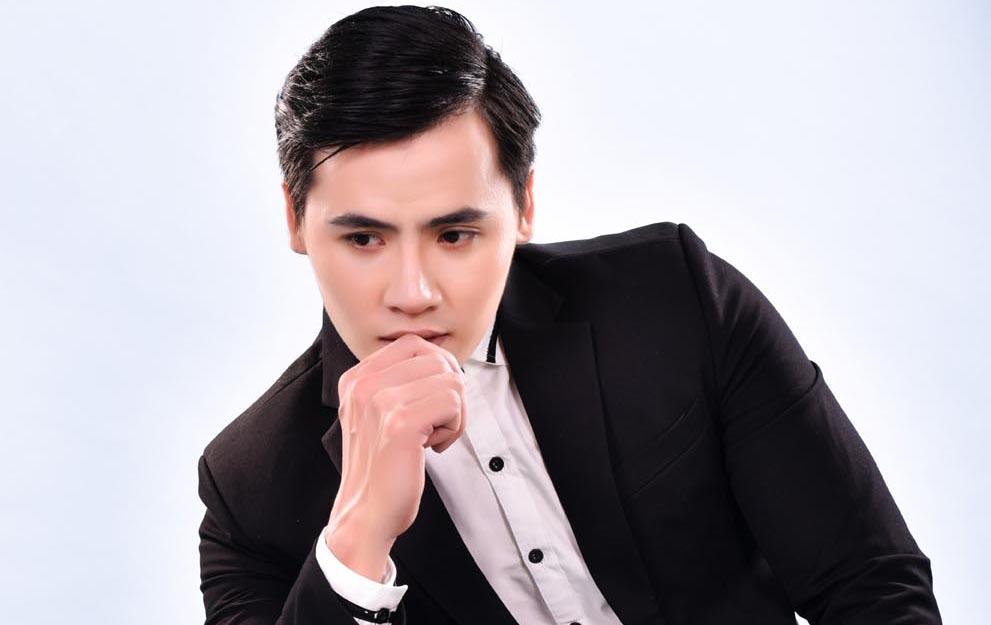 Hồ Văn Phúc mạnh mẽ và cá tính với vest Tommy Nguyễn