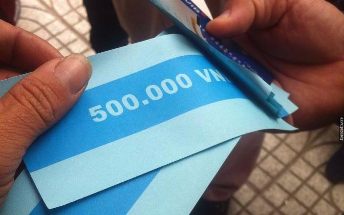 Rút tiền ATM, khách nhận được giấy in số 500.000 VNĐ