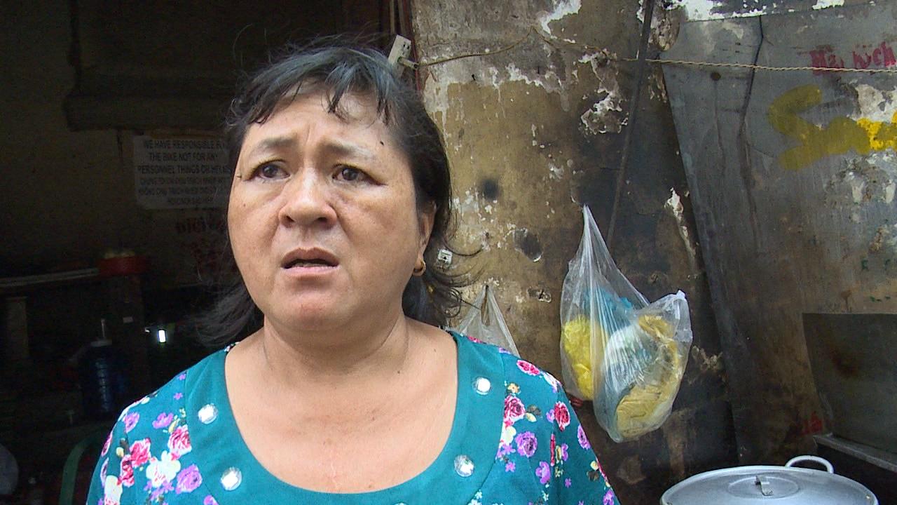 """Dân phố Tây balô ở Sài Gòn """"khóc ròng"""" lo vỉa hè bị dẹp"""