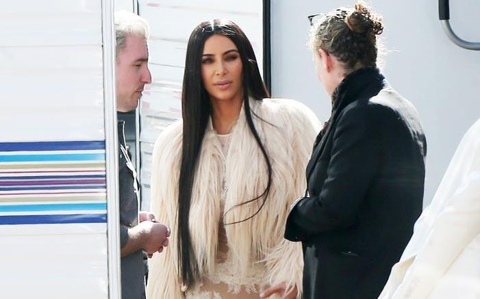 Kim Kardashian táo bạo với váy xuyên thấu