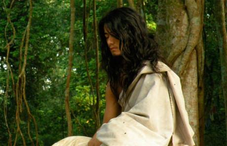 Bí ẩn cậu bé nghi là Phật tái sinh ngồi thiền nhiều tháng dưới gốc cây, không cần ăn uống