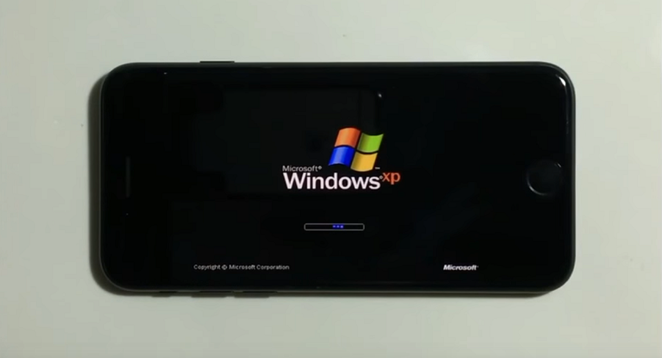 iPhone 7 chạy Windows XP