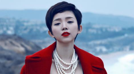 Tóc Tiên sang Hàn Quốc gặp gỡ nhà sản xuất của BTS