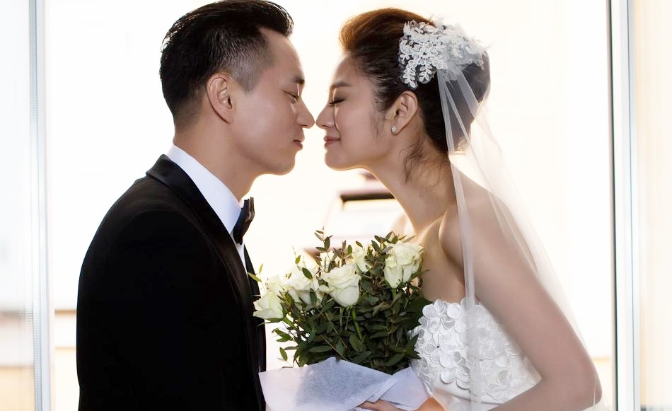 """Ảnh cưới của sao """"Ỷ thiên đồ long ký"""" và bạn trai tỷ phú USD"""