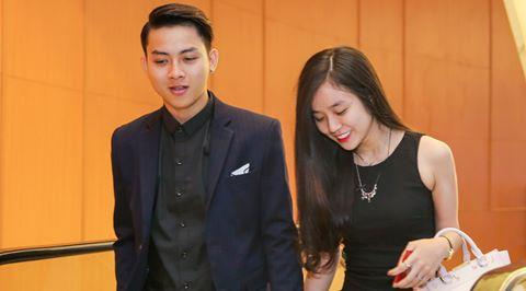 Hoài Lâm tay trong tay bạn gái dự tiệc cưới Mai Quốc Việt