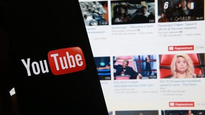 Anh tạm gỡ bỏ quảng cáo trên YouTube vì video cực đoan
