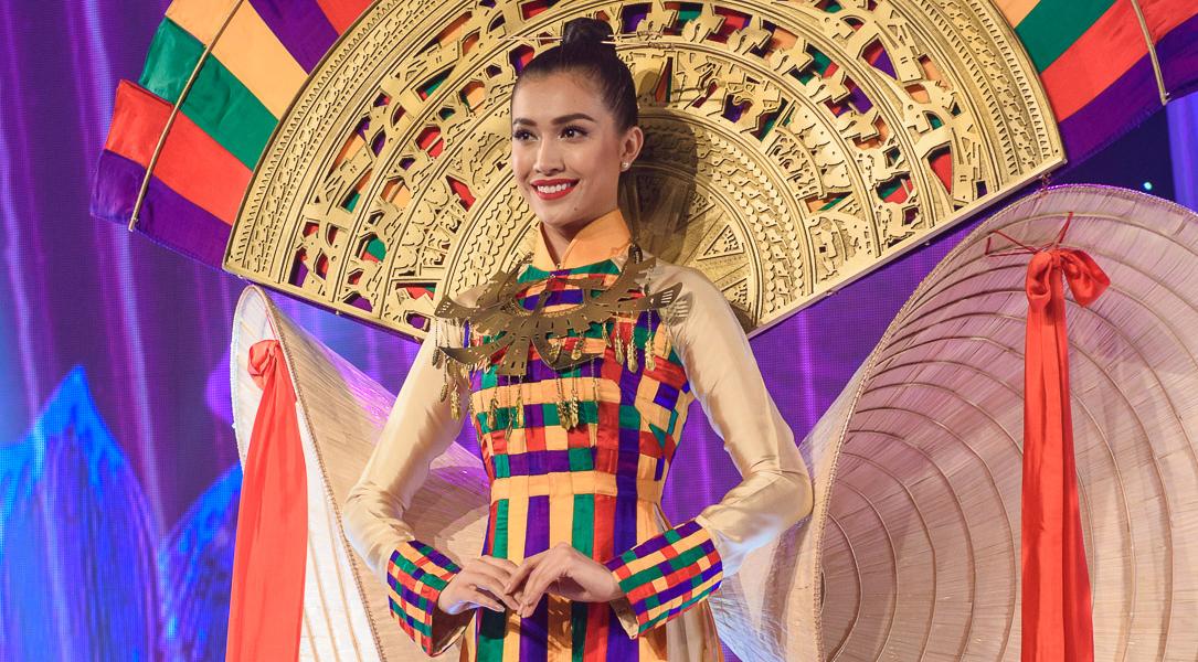 Dàn mẫu Việt tỏa sáng ở bế mạc Lễ hội Áo dài