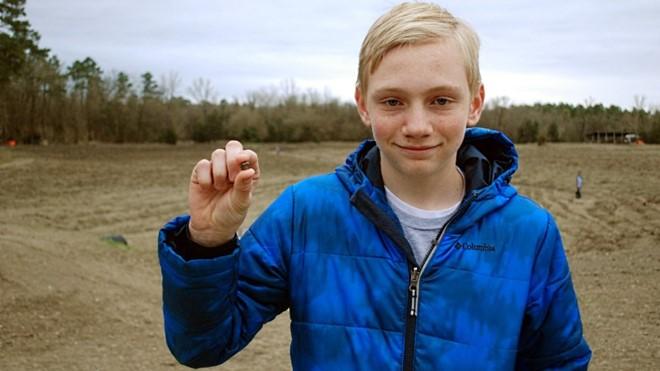 Cậu bé tìm ra viên kim cương nặng 7,44 carat trong 30 phút