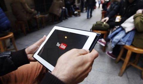 Google xin lỗi vì YouTube hiển thị quảng cáo trên video cực đoan