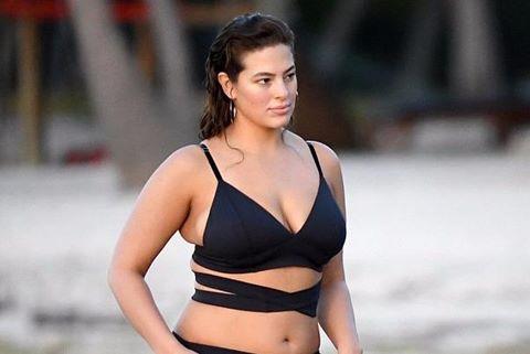 Mẫu béo Ashley Graham tự tin chụp ảnh áo tắm