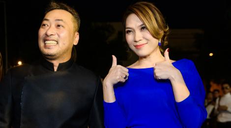 """Mỹ Tâm hát nhạc phim """"Dạ cổ hoài lang"""" tặng NSƯT Hoài Linh"""