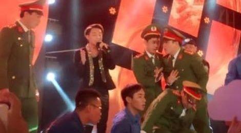 Sơn Tùng M-TP xin lỗi và ngừng hát vì fan chen lấn đến ngất xỉu
